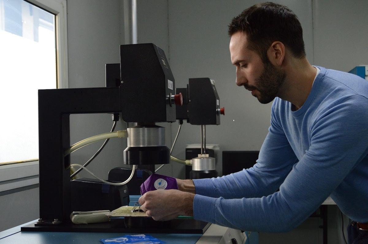 aqblue-testing-masks
